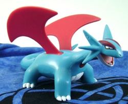 Pokemon Salamence Jakks Figure