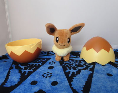 Pokemon Tomy Eevee Plush with Egg