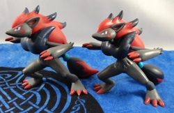 Pokemon Zoroark Jakks Pacific Figures (2)